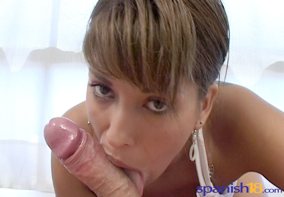 Magnificent ass Argentine cutie blows a convince and takes a explosion all over her face