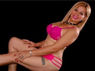 Mexican chica SandraDiRose wants Cam chat